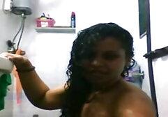 लोमड़ी की तरह युवा स्पेनिश लड़की हिंदी में सेक्सी बीएफ मूवी खुद को अच्छा कंपन देता है